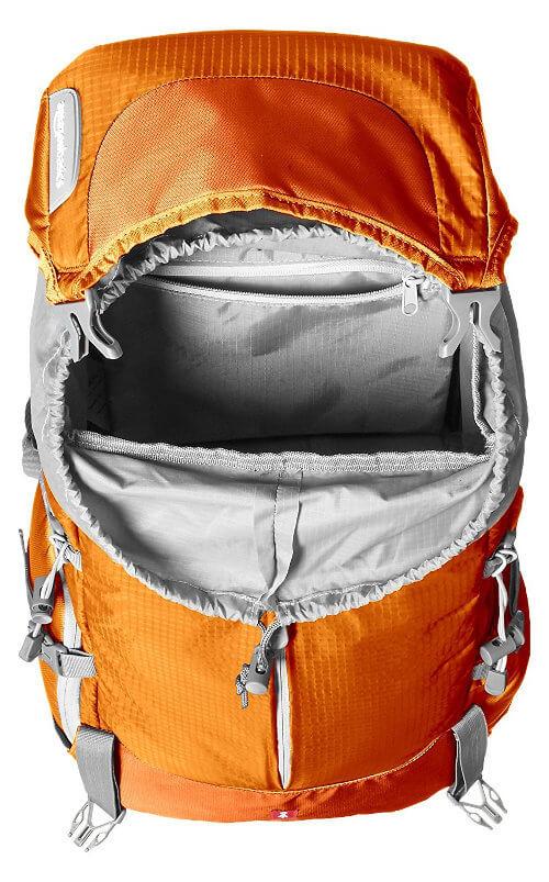 Mochila AmazonBasics Hiker - Interior para ropa y comida